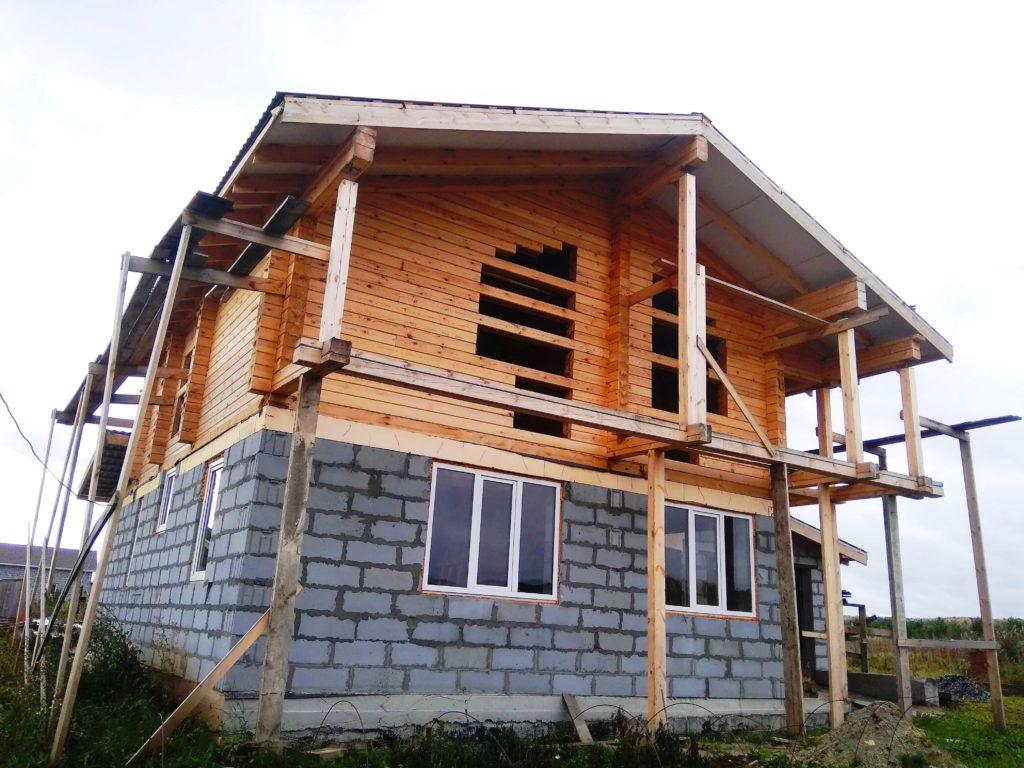 Комбинированный дом в п. Бобровский